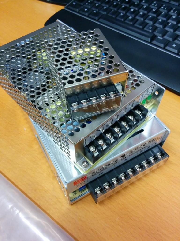 3 Netzteile ersetzen die fehlende Spannung