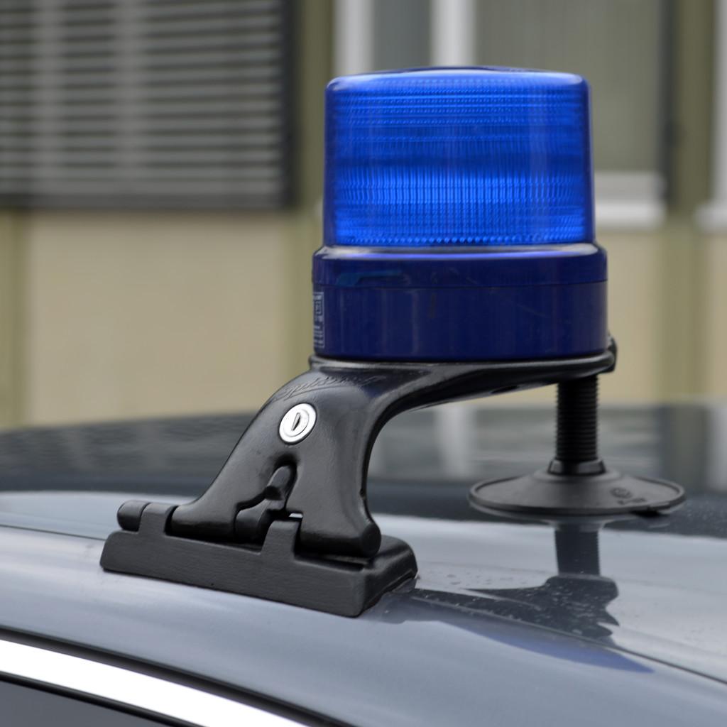Blaulicht auf einem Auto